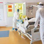 Liečba pacientov s ochorením COVID-19 stála 58,9 mil eur, uvádzajú zdravotné poisťovne