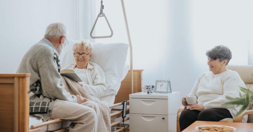 Zdravotnícke zariadenia upravujú podmienky pre návštevy
