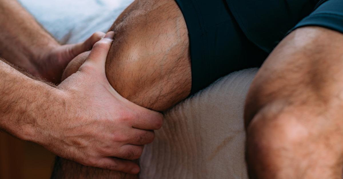 masáž kolena